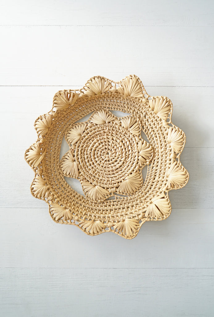 Vintage Woven Flower Shaped Straw Basket Tray