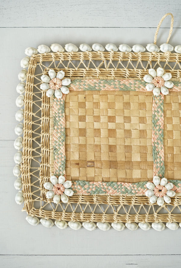 Vintage Basket Weave Straw and Shell Wall Hanging / Hot Pot Placemat