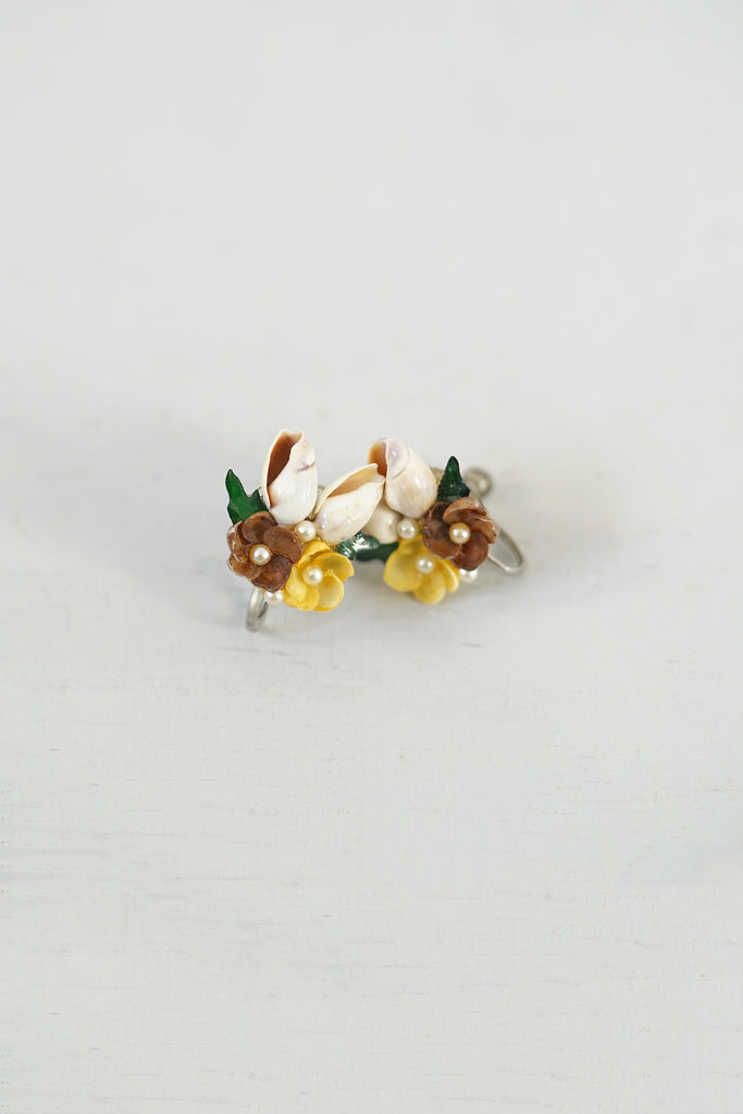 Vintage Little Shells, Flowers, and Pearls Screw-Back Earrings