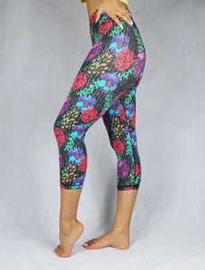 FLOWER MADNESS - Women's organic Crop Legging - WEARORGANIC Australia