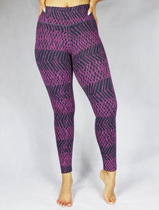 Look taller in the slim fit compression wear - plum and the vertical print helps in trimming down the look. The Wear Organic compression leggings and activewear are designed for the ultimate performance.