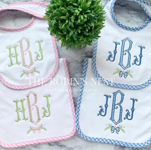 Gingham seersucker bib and burp cloth set