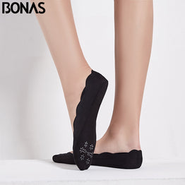 BONAS 2pcs/lot Solid Ankle Low Cut Anti skid Sock Seamless Socks Antiskid Invisible Female Cheap Nonslip Liner Boat Short Socks