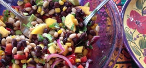 Raw, Organic & Nuts: Bean salad with mango & avocado