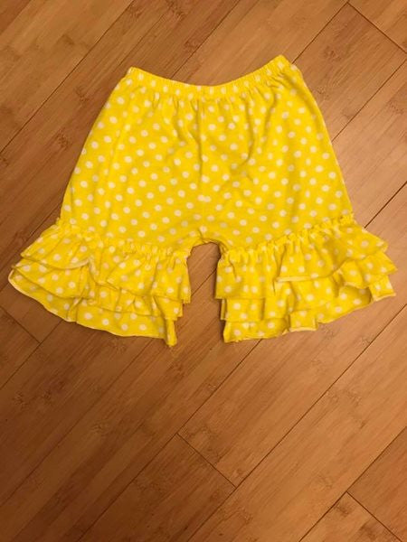 Ruffle Shorts - Yellow Polka Dots 3/6m