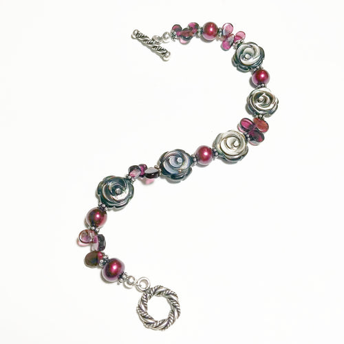 Black mother of pearl rose bracelet