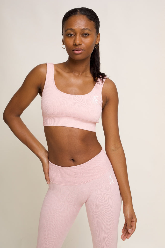 Malaika Ribbed Seamless Sports Bra in Pink