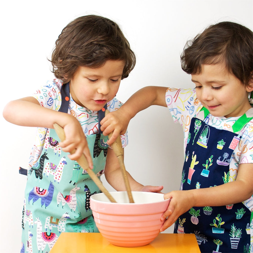Kids Reversible Apron - Animals/Potted Plants