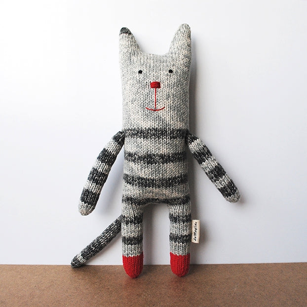 Handmade knitted soft toy - Grey Cat | LaMaglia toys | Cat soft toy | Moeder Fox favourite things