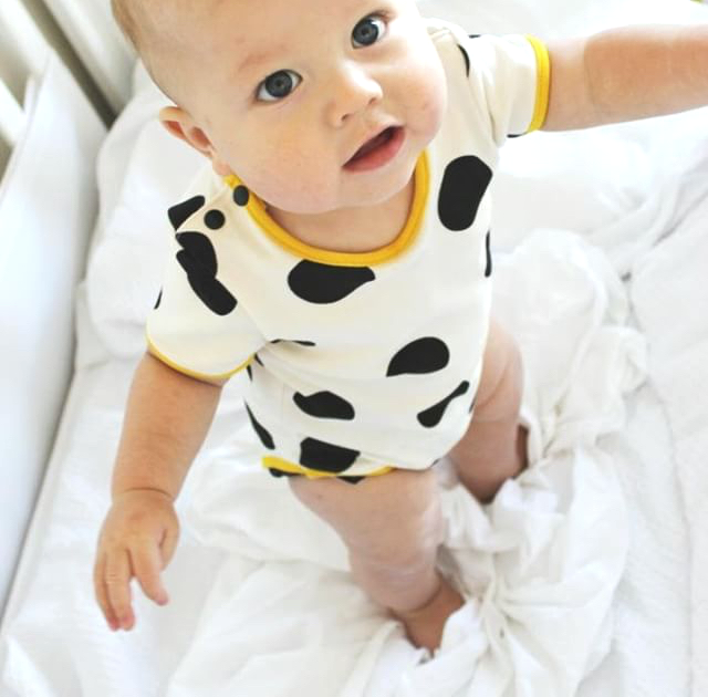 Baby onesie - organic cotton black spots | Moeder Fox