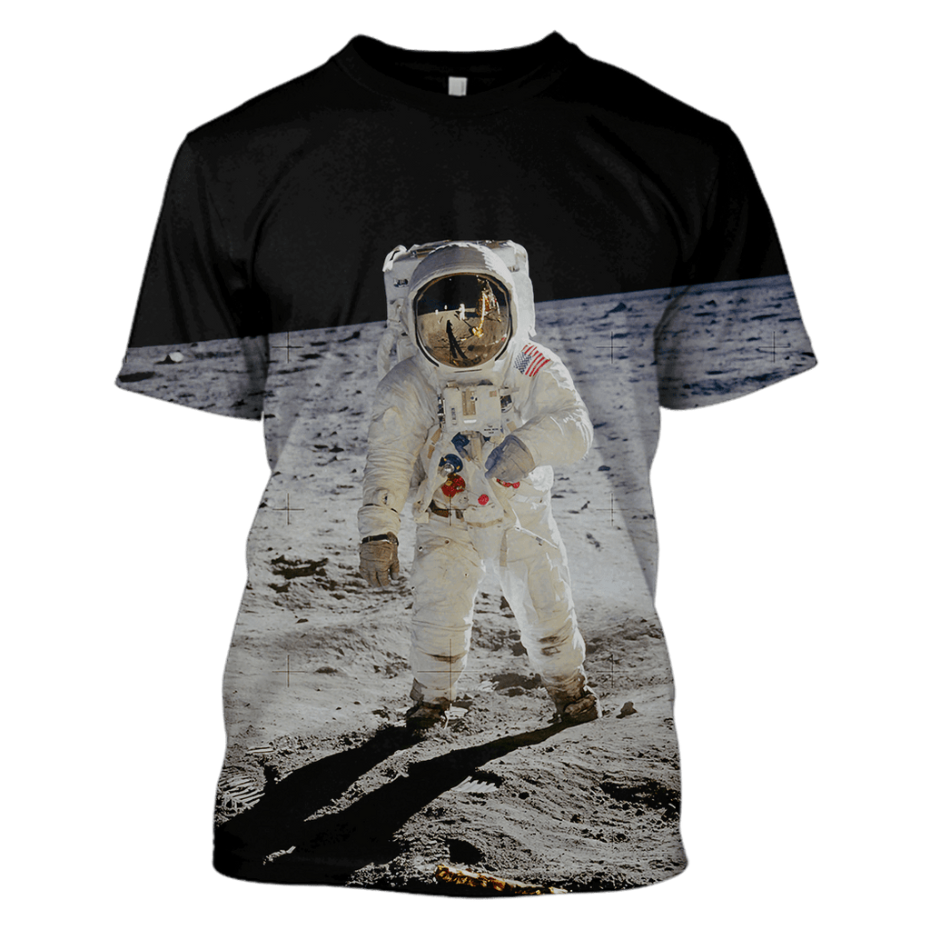 Astronaut Taking A Photo Outspace Custom T-shirt - Hoodies Apparel
