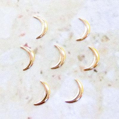 Nail Labo Metal Parts Crescent Moon Ver.2 Gold