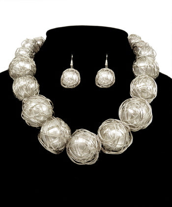 Wire Pearl Necklace Set