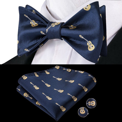 Chuck Berry's Mens Silk Butterfly Bow Tie Set