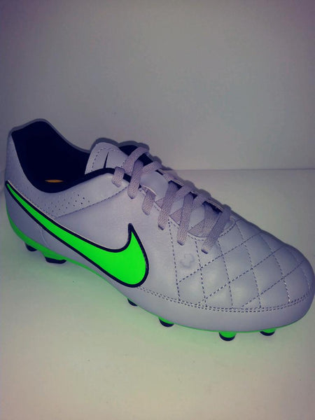 NIKE JR TIEMPO GENIO LEATHER FG SOCCER CLEAT LAST ONE 6y