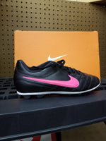 NIKE JR CHASER FG-R SOCCER CLEAT LAST ONE 4.5y