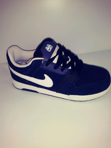NIKE MOGAN 2 JR 5.0 SKATE GS LAST ONE 4y