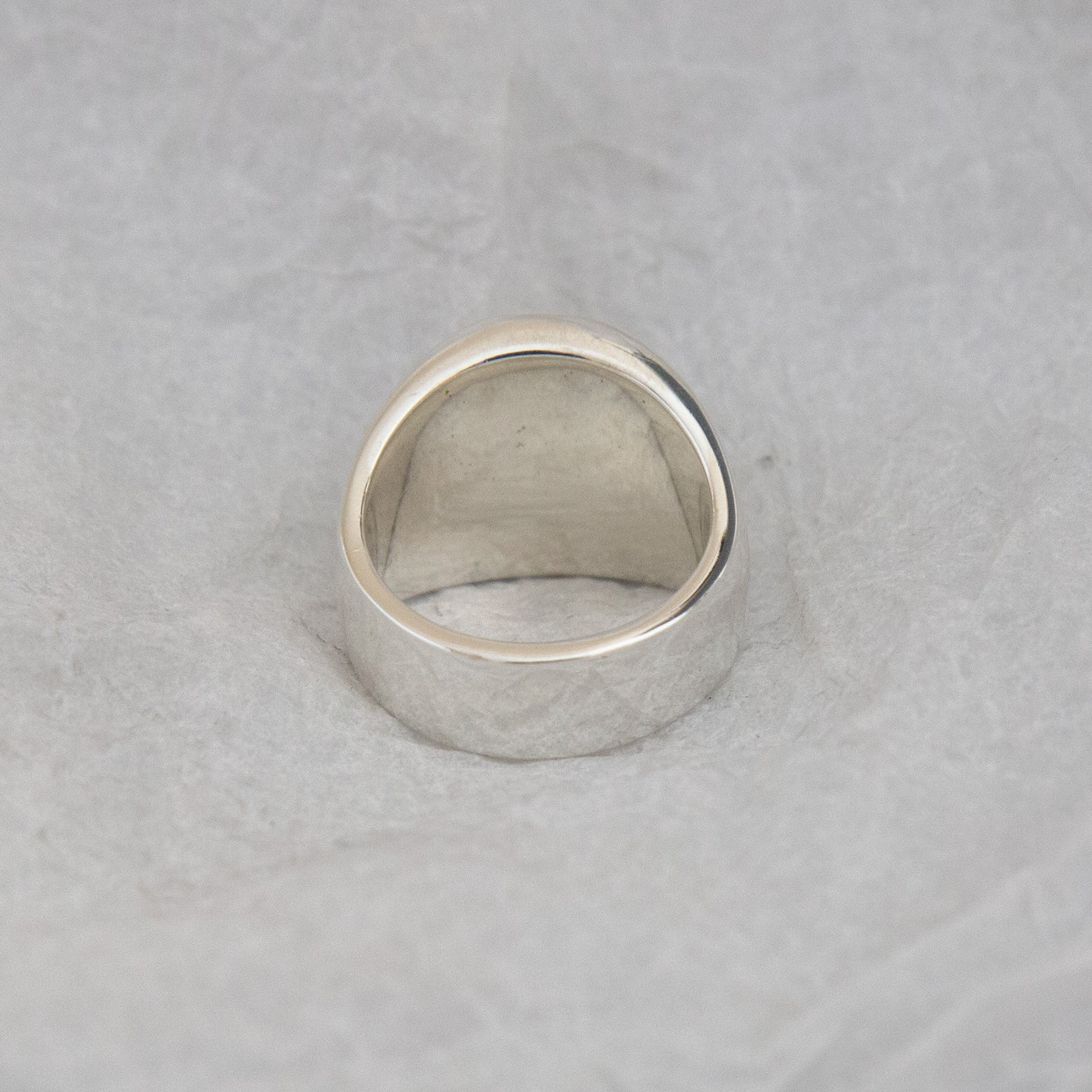 1. LAB/P Fossilised Coral Round Signet Ring SIZE K