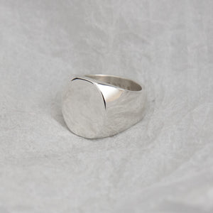 5. Ovaled Signet Ring SIZE J