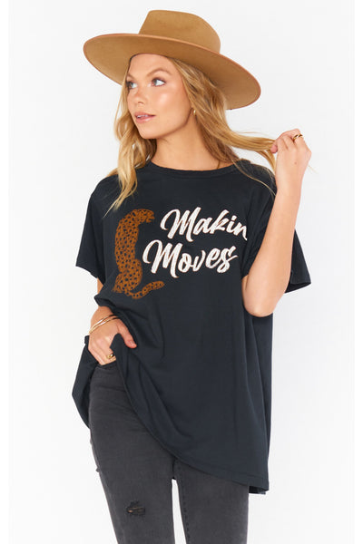 MAKIN' MOVES AIRPORT TEE