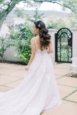 Dareth Colburn Wedding Blog | Bride, Wint's Wedding Day Details | Bridal Accessories