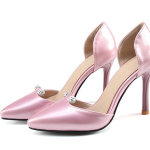 Elegant Shallow pointed toe pump