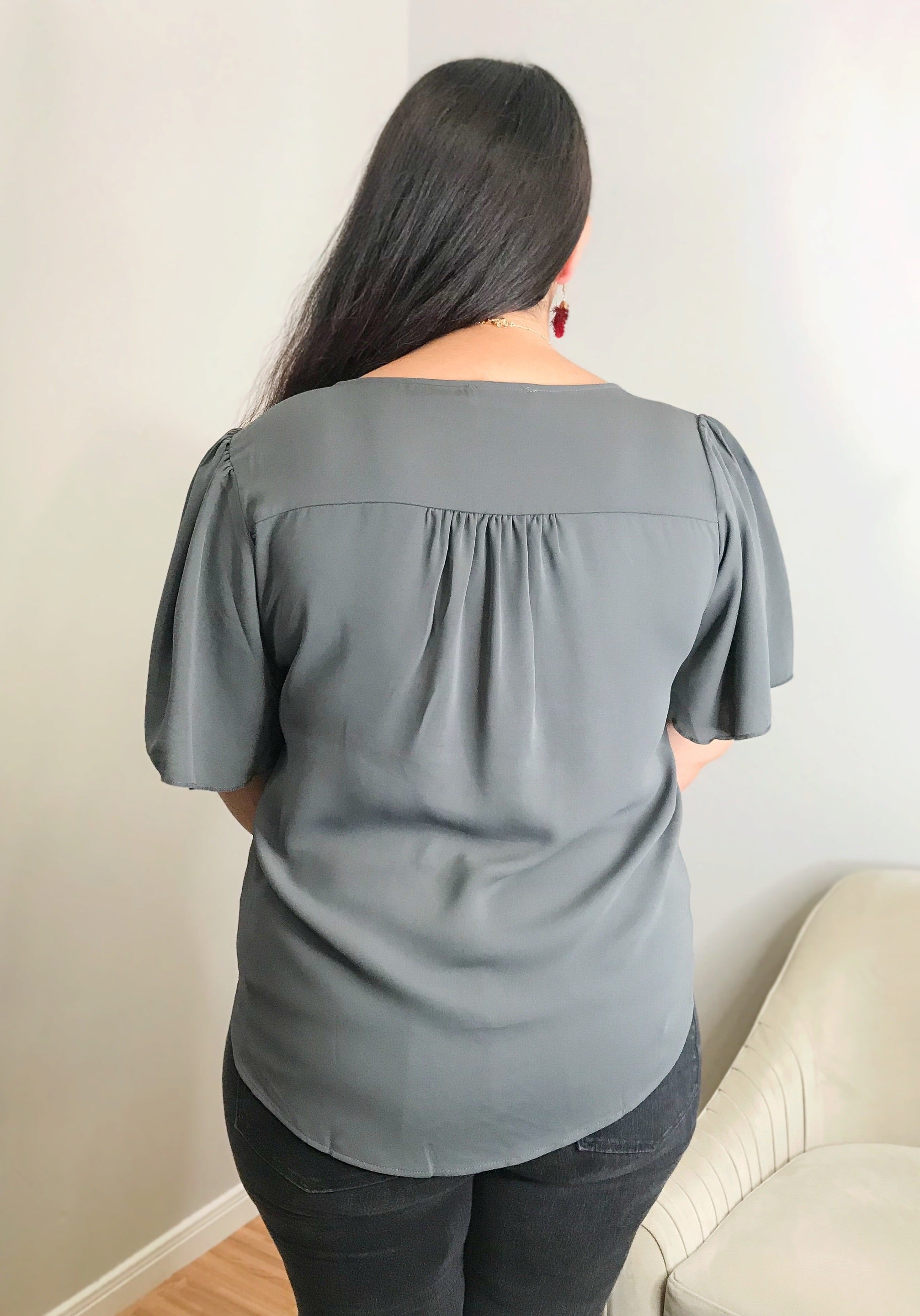 Ashton Curvy Top in Gray
