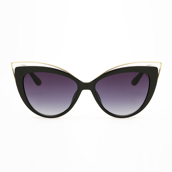 The Charming Cateye Sunglasses Black - Youthly Labs