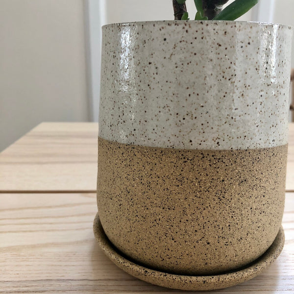 Form Planter no.2 w/ drip tray
