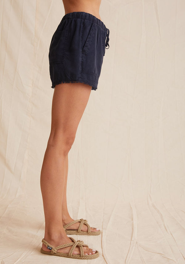 Frayed Hem Pocket Short
