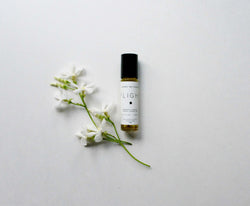 Flight Natural Roll On Perfume