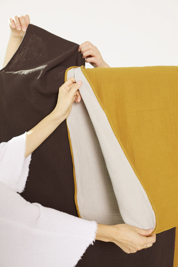 Color Contrast Double Gauze Throw