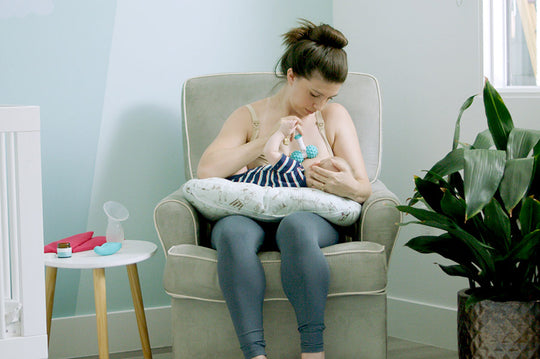 What You Need To Know About Cold, Flu, and Covid While Breastfeeding