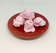 Freeze Dried Strawberry Ice Cream - OutdoorPantry.com