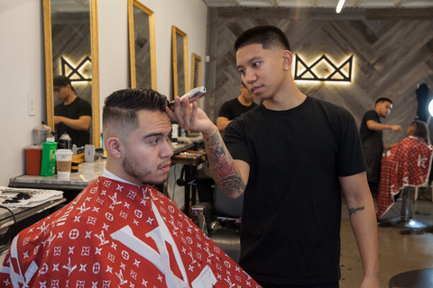 Throne Barber Shop/ illuzien Hair Cutting Cape