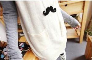 Curly Moustache Necklace - Pinkybears Fashion Boutique Malaysia