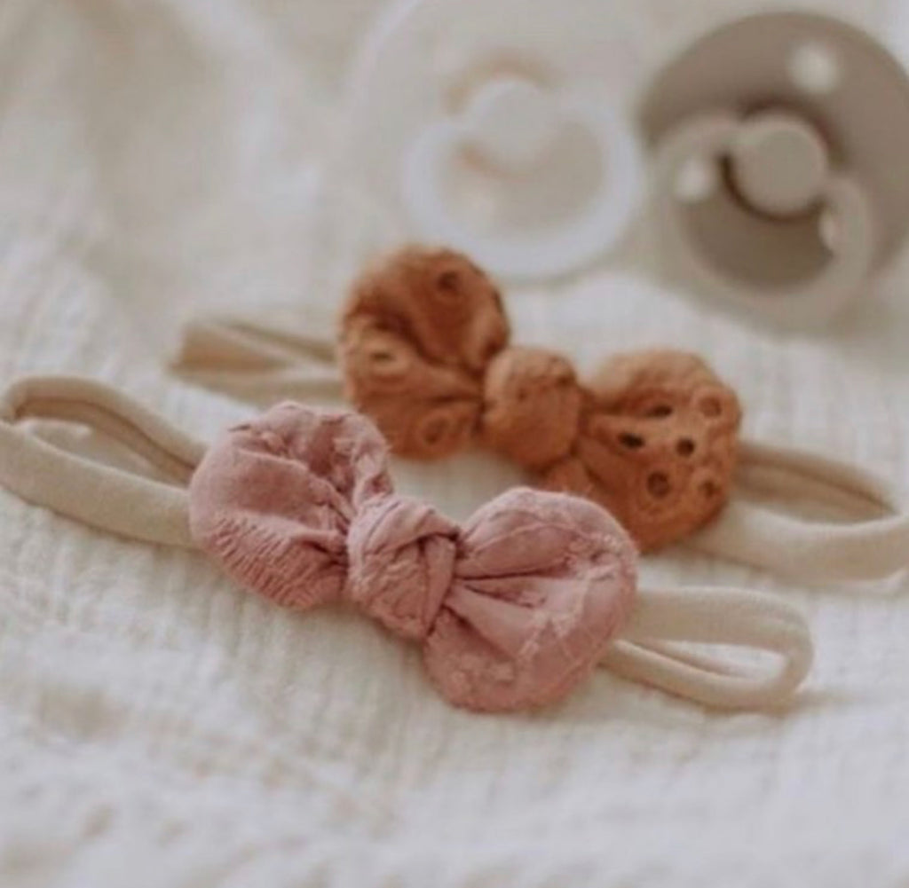 Mae and Rae Bow - Dusty Pink Broderie