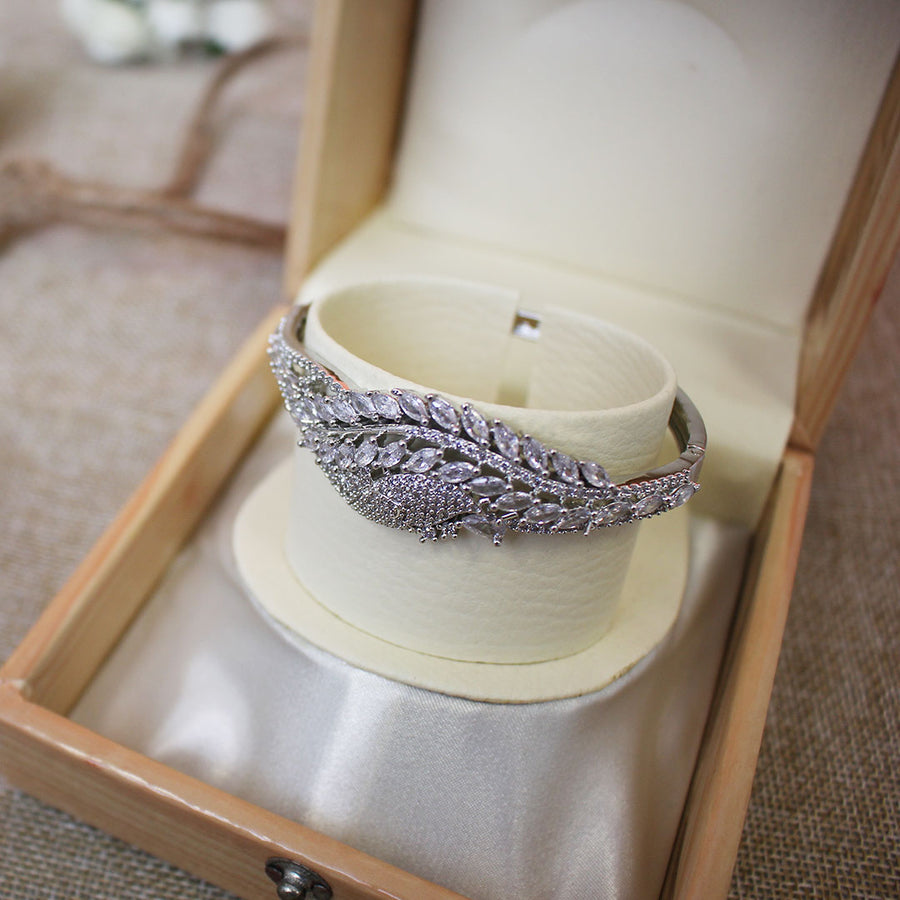 Silver Plated Openable Infinity Bracelet - TCS Sentiments Express