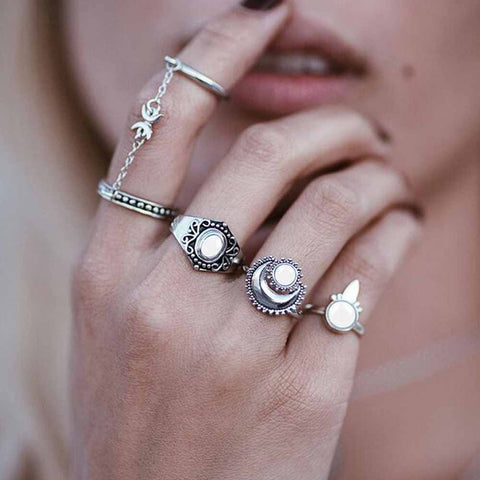 BohoVin™ Twin Chain Moon Rings