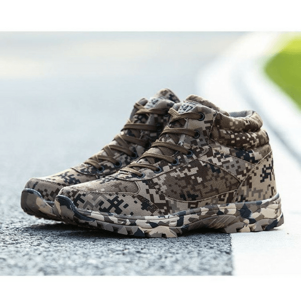 Desert Camouflage Outdoor Boots