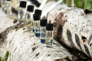 AROMATIC MUSE - the experiential perfume parcel - exclusive kits of olfactory excercise