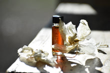 WHITE FLOWERS IN THE DARK - Natural Botanical Perfume - The Sojourn
