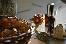 HEARTH - Natural Botanical Perfume - The Wood Stove