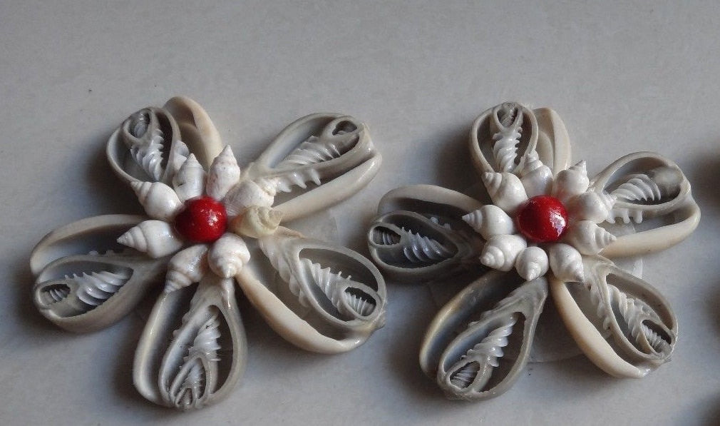 Flower Ornament - Grey Cowrie Center Cut (2 Pieces)