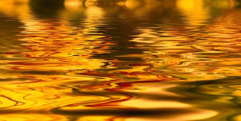 Light reflected gold water