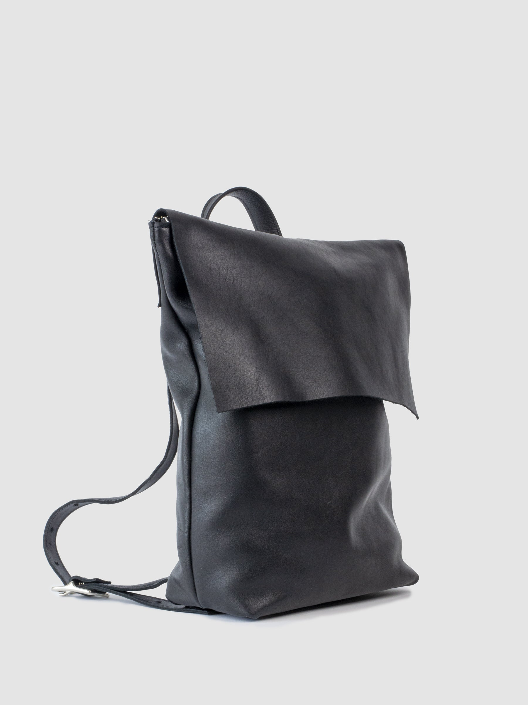 "The SONYA LEE Mary leather backpack. Ethically handmade in Canada using full grain leather. Lifetime warranty. Fits all the essentials and a 15"" laptop. Zipper closure. Adjustable leather shoulder straps. Lifetime warranty. Free shipping across North America."