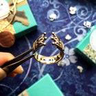 Queen Secret Message Finger Cuff - Arimas