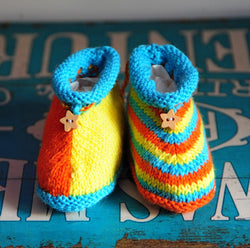 layette chaussons taille 0/3 mois turquoise/jaune/orange tricoté main