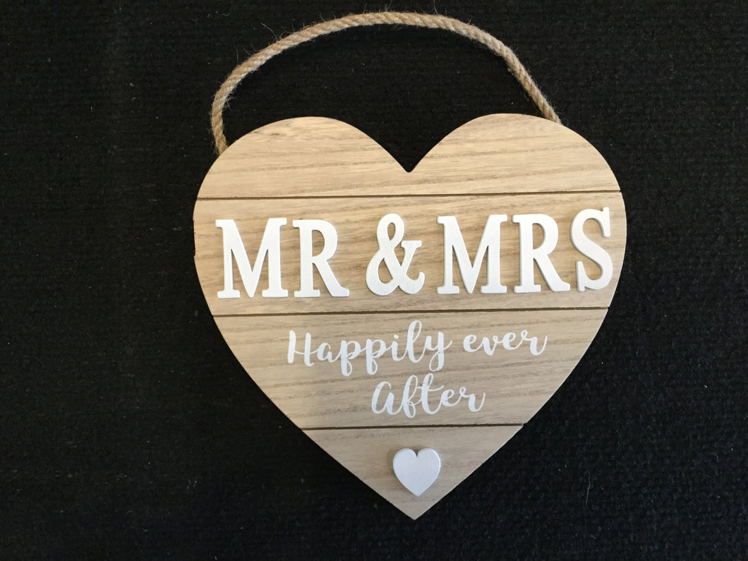Widdop Love Story Heart Plaque Mr & Mrs Happily Ever After