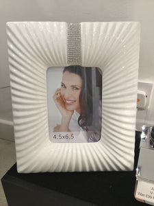 White Glaze and Silver Gem Photo Frame (3.5'x4.5') by CIMC